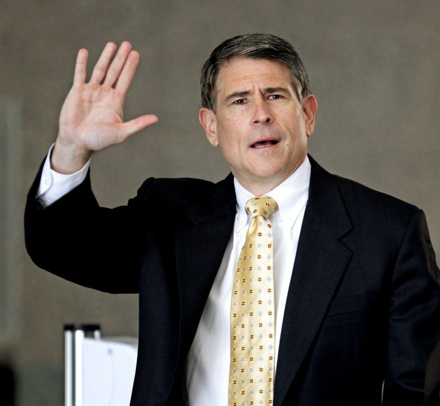 Robert Blagojevich, brother of former Illinois Gov. Rod R. Blagojevich, faces charges in a federal corruption trial. (AP Photo)