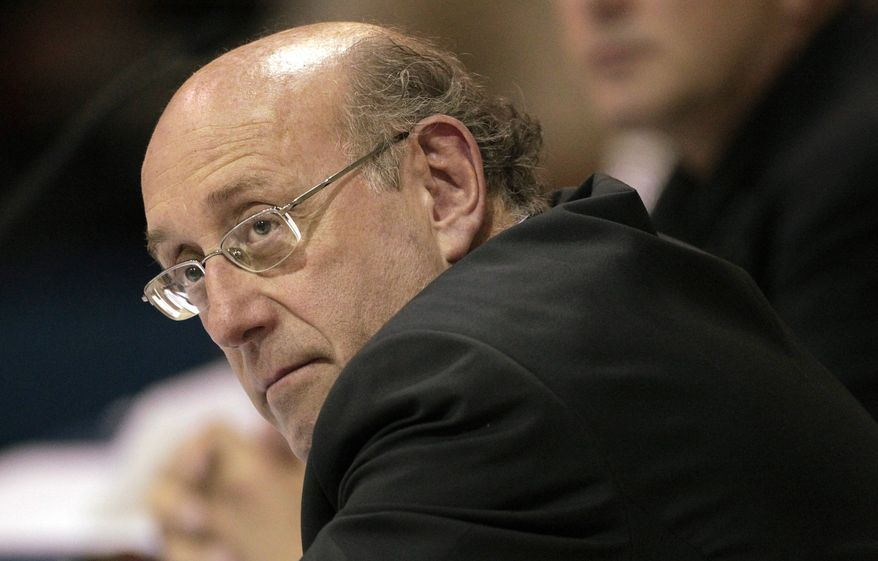 ** FILE ** Kenneth Feinberg, BP oil spill fund administrator, listens to citizen complaints about the system during a town-hall meeting in Orange Beach, Ala., on Wednesday, Sept. 15, 2010.