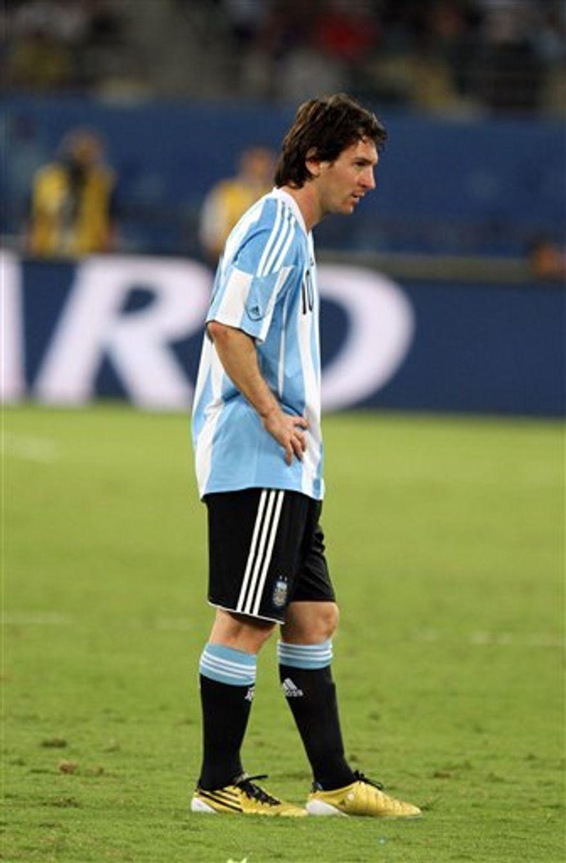Argentina's striker Lionel Messi during their friendly football match at Khalifa Stadium in the Qatari capital Doha on November 17, 2010(AP Photo/Osama Faisal)