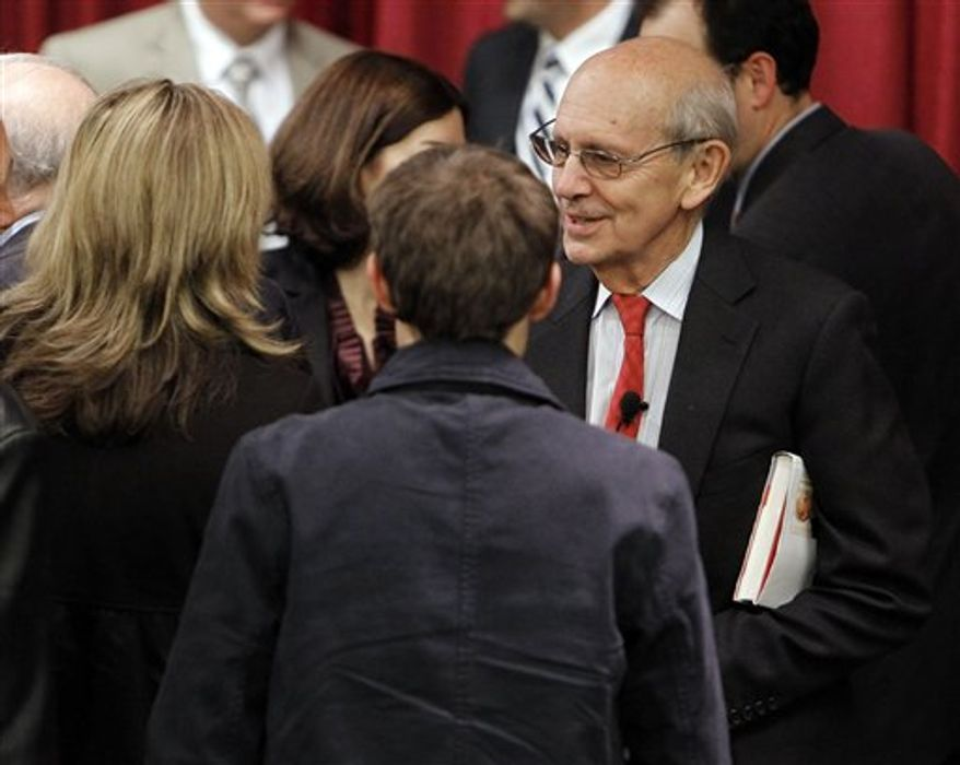 """Supreme Court Justice Stephen Breyer talks to law students and invited guests at Vanderbilt University on Tuesday, Nov. 16, 2010, in Nashville, Tenn. Breyer's appearance at the school centered on his latest book, """"Making Our Democracy Work: A Judge's View."""" (AP Photo/Mark Humphrey)"""