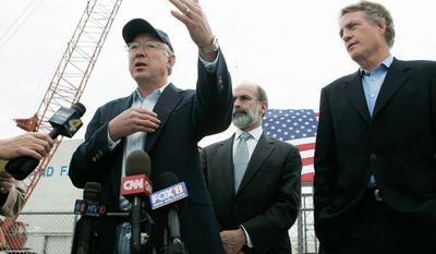 """** FILE ** Interior Secretary Ken Salazar, flanked by Bureau of Ocean Energy Management Director Michael R. Bromwich (center) and Assistant Interior Secretary Tom Strickland, visits Louisiana on Monday, Nov 22, 2010. He promised to work with the oil and gas industry and to """"ensure that everyone understands the rules of the road."""" (Associated Press)"""