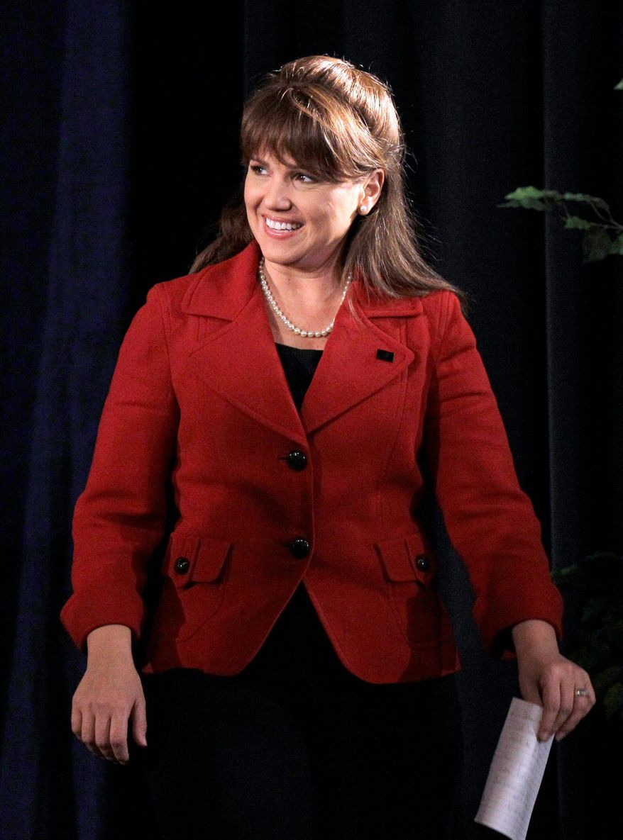 Associated Press Former Delaware Republican Senate candidate Christine O'Donnell will keynote a Northern Virginia Tea Party banquet on Tuesday.