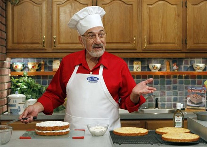 In this photo taken Thursday, Oct. 14, 2010, Art Ginsburg, known as Mr. Food, is shown during a TV rehearsal in Fort Lauderdale, Fla. Art Ginsburg has spent the past 30 years quietly turning himself into an unlikely food celebrity.  (AP Photo/Alan Diaz)