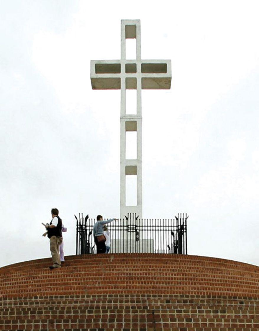 Mount Soledad Cross, AP