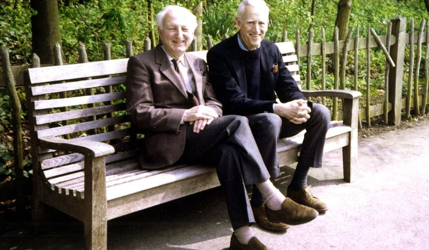 In this image made available Wednesday, Jan. 26, 2011, by the University of East Anglia, Donald Hartog and J.D. Salinger, right, pose together in London in 1989, when they met for the first time since 1938. A trove of letters written by Salinger to British friend Donald Hartog reveals a sociable man who took bus trips to Niagara Falls, ate fast-food hamburgers, enjoyed watching Tim Henman play tennis -- and claimed always to be writing new work. (AP Photo/Salinger Collection, University of East Anglia)