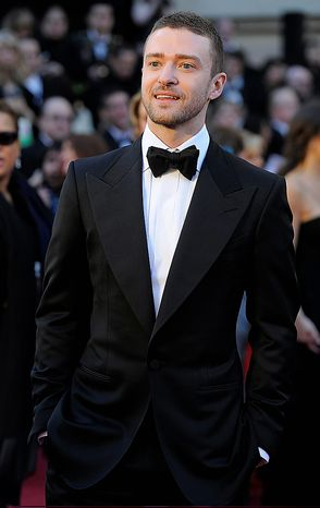 Justin Timberlake arrives before the 83rd Academy Awards on Sunday, Feb. 27, 2011, in the Hollywood section of Los Angeles. (AP Photo/Chris Pizzello)