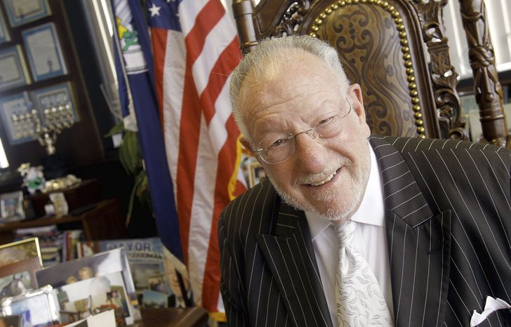 Las Vegas Mayor Oscar B. Goodman, who won a third term with 84 percent of the vote, is losing to term limits. Wife Carolyn is running to succeed him. (Associated Press)