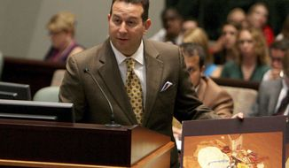 **FILE** Defense attorney Jose Baez cross-examines a witness during the Casey Anthony trial at the Orange County Courthouse on June 7, 2011, in Orlando, Fla. (Associated Press)