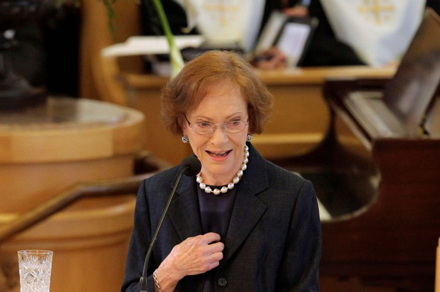 Former first lady Rosalynn Carter delivers a eulogy during the funeral for former first lady Betty Ford at St. Margaret's Episcopal Church Tuesday, July 12, 2011, in Palm Desert, Calif.  (AP Photo/Jae C. Hong, Pool)