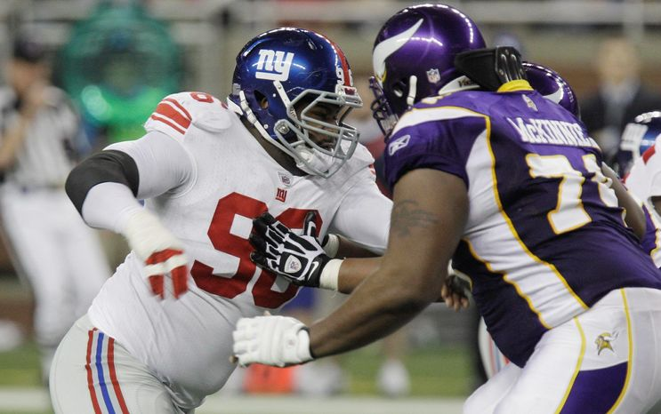 Barry Cofield, a starter for the New York Giants the last five seasons, figures to play nose tackle for the Washington Redskins after they acquired him Wednesday.  (Associated Press Photographs)