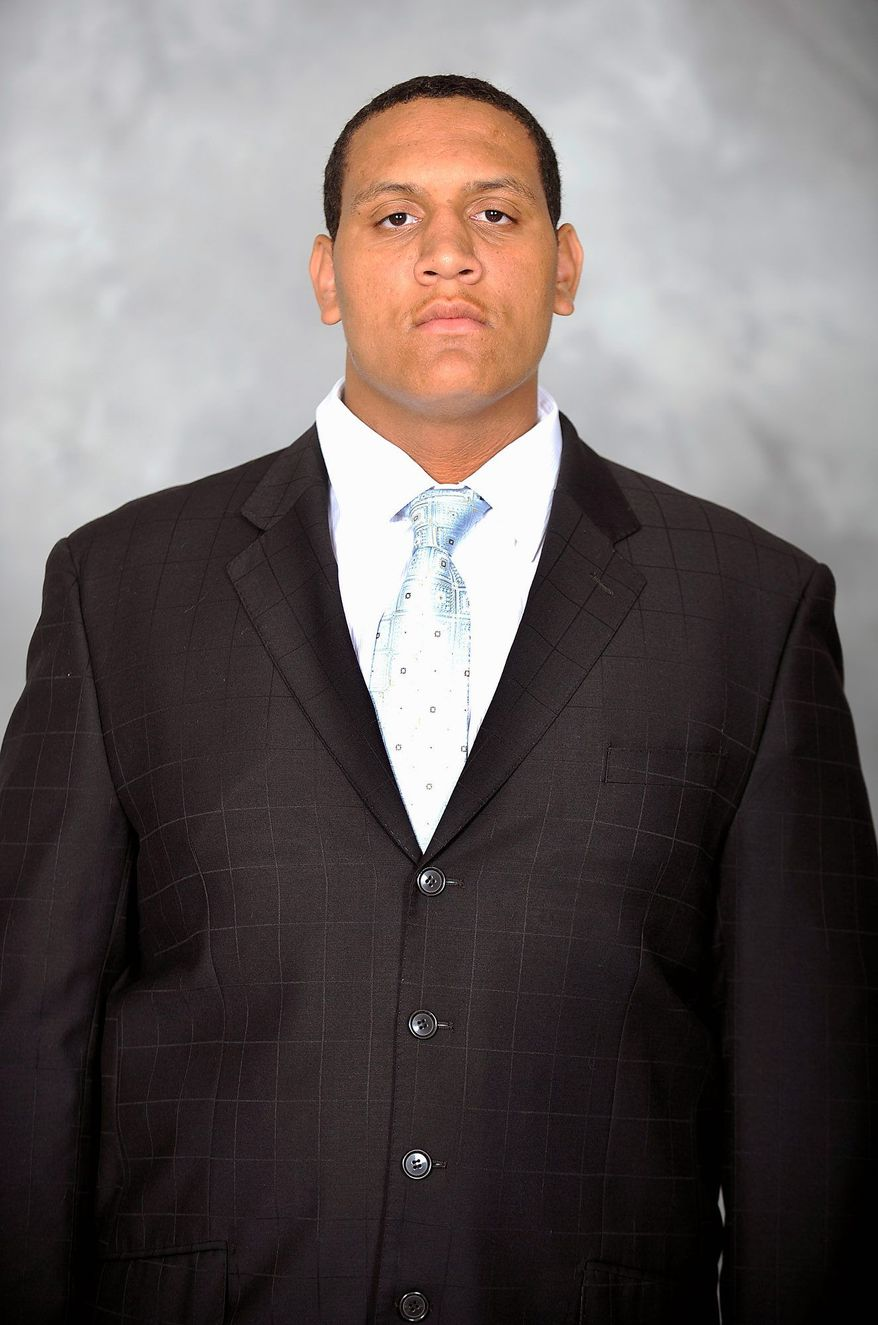 Maryland offensive lineman Pete DeSouza was cleared for contact afterr suffereing two broken legs in a scooter accident in October. (Maryland Athletics)