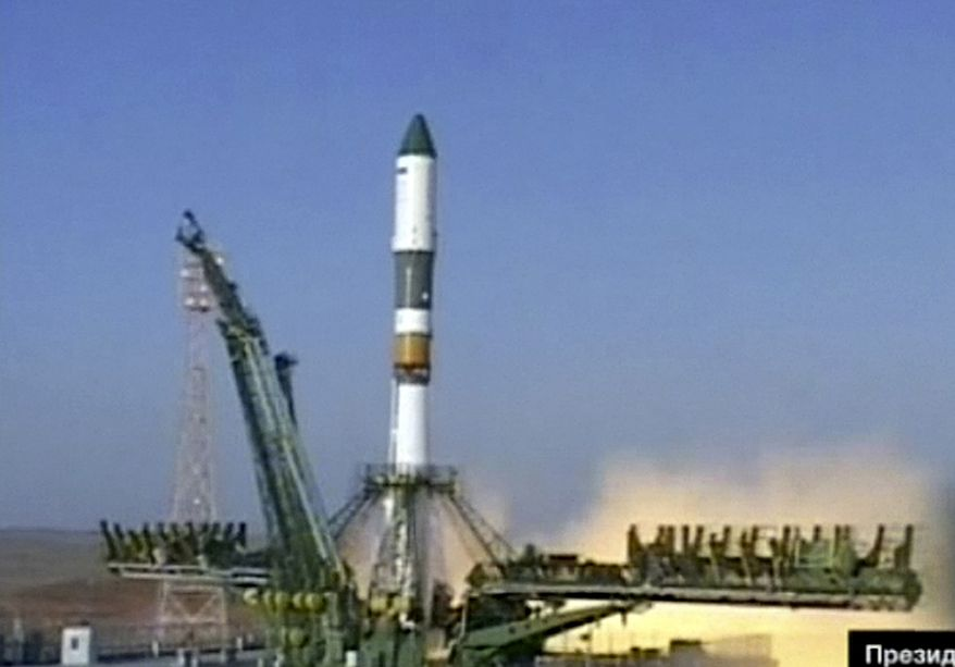 In this image made from the Rossiya 24 television channel, a Soyuz rocket booster carrying a Progress supply ship is launched from the Baikonur cosmodrome in Kazakhstan on Wednesday, Aug. 24, 2011. The spaceship, bound for the International Space Station, failed to reach its planned orbit, and pieces of it fell in Siberia amid a thunderous explosion, officials said. (AP Photo/Rossiya 24)