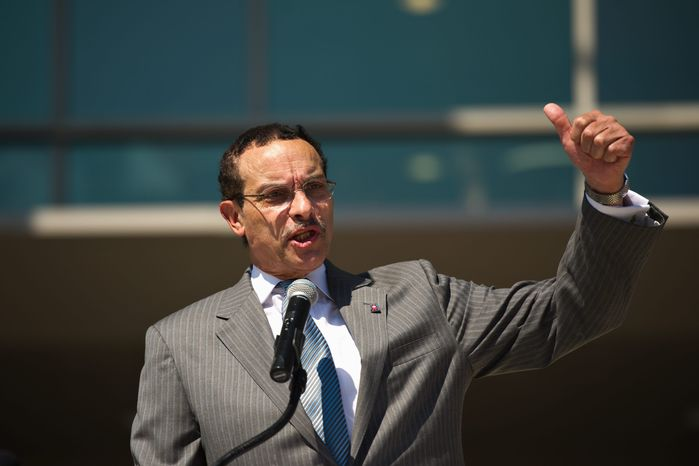 D.C. Mayor Vincent Gray has the support of Ralph Nader in the push to achieve states' rights for the District. (The Washington Times)
