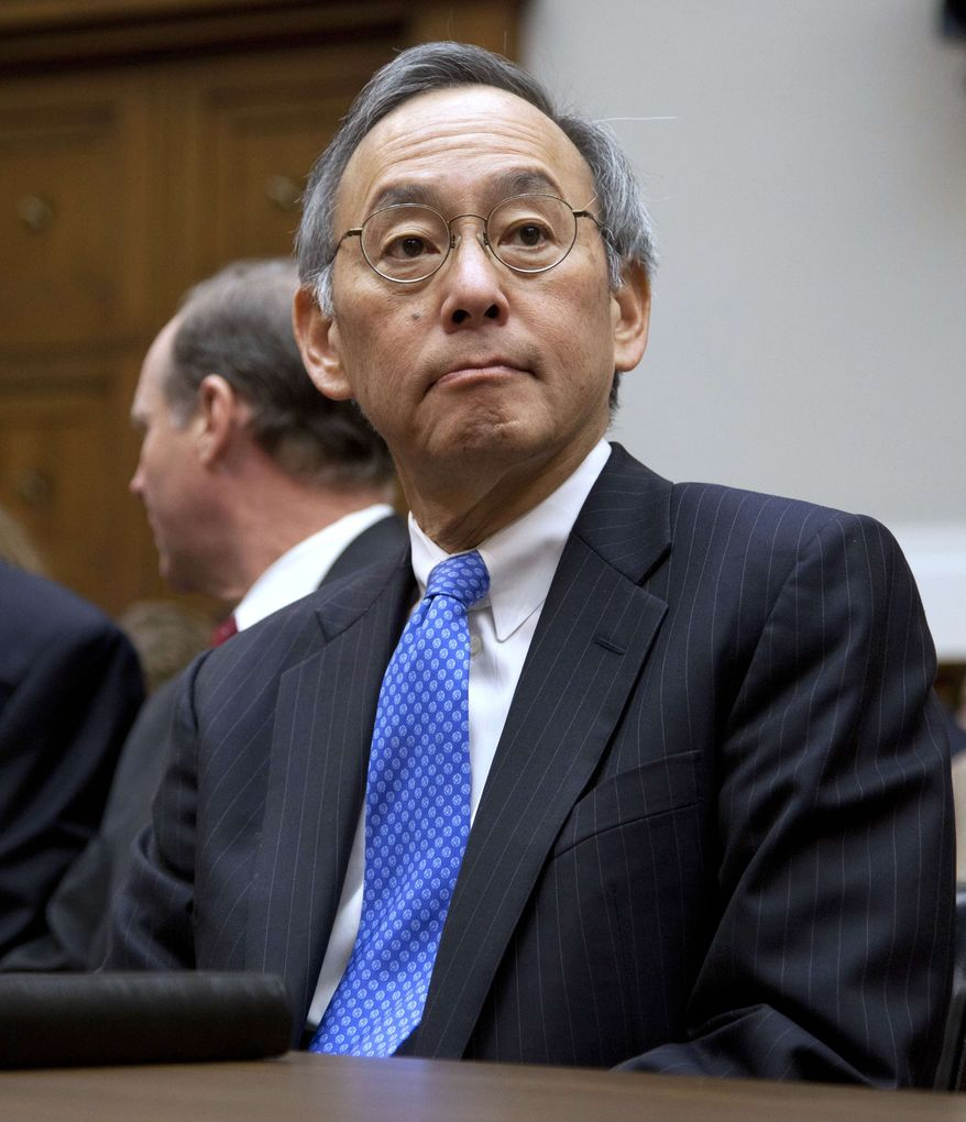 Energy Secretary Steven Chu testifies on Capitol Hill in Washington, Thursday, Nov. 17, 2011, before the House Oversight and Investigations subcommittee hearing on the Solyndra solar company loans. (AP Photo/Evan Vucci)