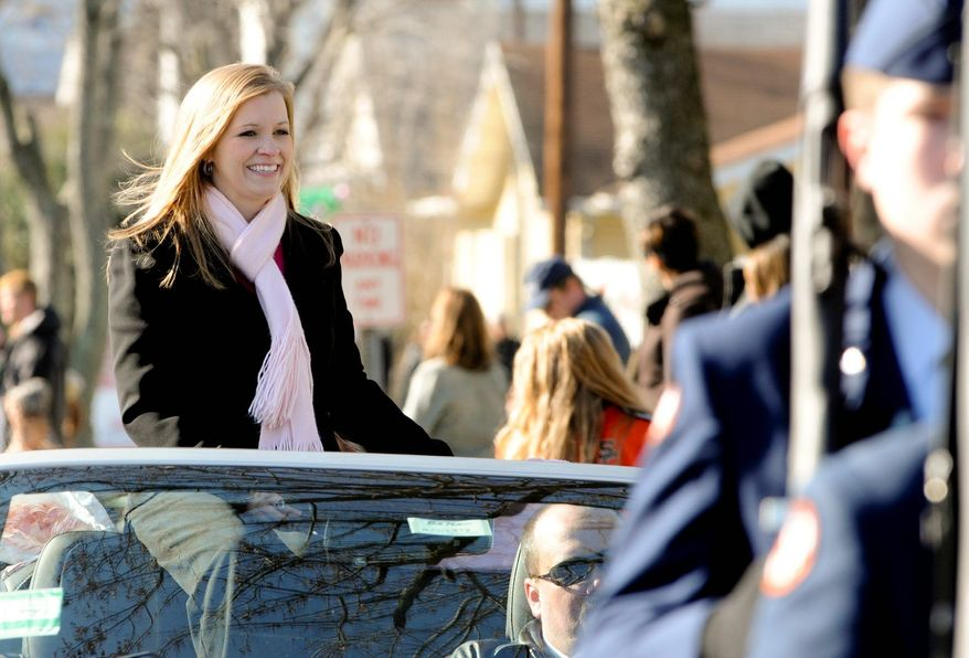 """** FILE ** Jessica Lynch, who became famous in 2003 as an Iraq war POW, is honored in a holiday parade. She has embarked on a teaching career and is glad just to be alive, saying: """"You're just thankful for what you've been given, even if it's not what you wanted."""" (Associated Press)"""