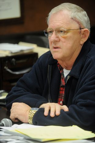 ** FILE ** Former Rep. Bill Janklow, a four-term governor of South Dakota, announces on Friday, Nov. 4, 2011, in Sioux Falls, S.D., that he is dying of brain cancer. (AP Photo/Argus Leader, Elisha Page)