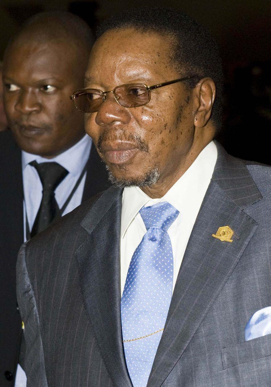 **FILE** Malawian President Bingu wa Mutharika arrives Feb. 1, 2010, at the U.N. Conference Hall in Addis Ababa, Ethiopia. (Associated Press)