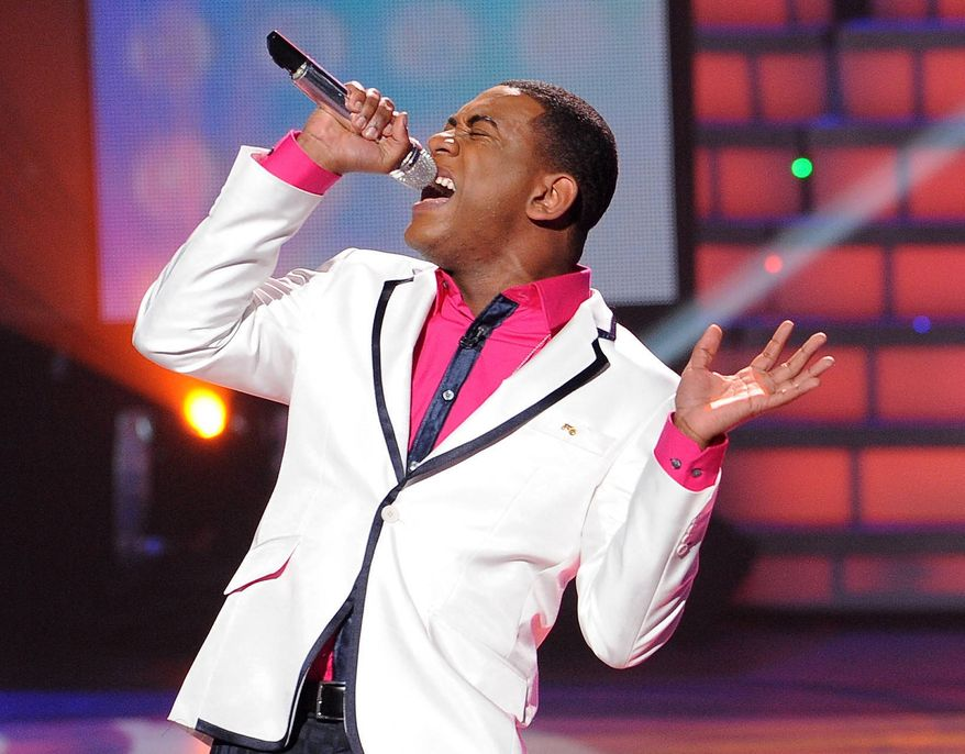 "** FILE ** In this April 11, 2012, file photo released by Fox, Joshua Ledet performs on the singing competition series ""American Idol,"" in Los Angeles. (AP Photo/Fox, Michael Becker, File)"