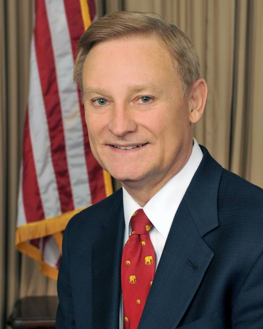 """Sen. Spencer Bachus, Alabama Republican, warns of a """"sea of red tape"""" associated with the Dodd-Franks Act. (Image from Rep. Spencer Bachus)"""