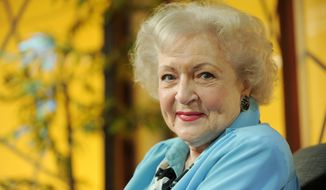 "** FILE ** Actress Betty White poses for a portrait following her appearance on the television talk show ""In the House,"" in Burbank, Calif., in this Nov. 24, 2009, file photo. (AP Photo/Chris Pizzello, File)"