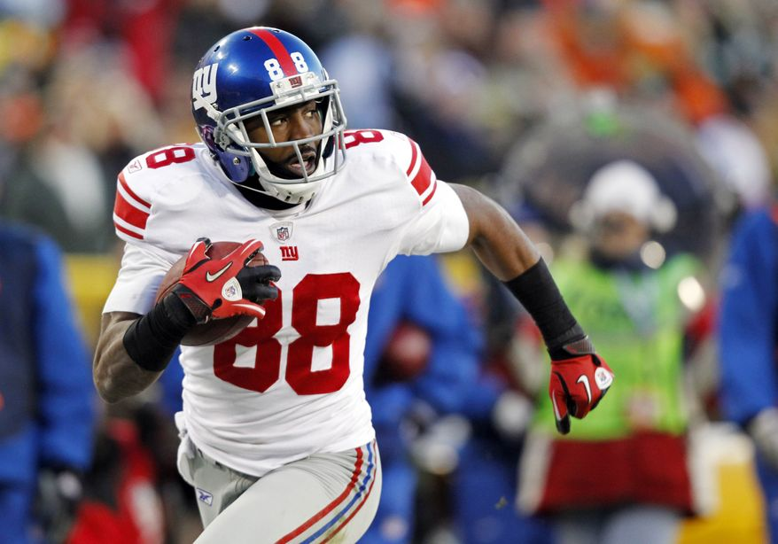 Giants receiver Hakeem Nicks is expected to be sidelined up to three months after breaking his right foot at a team organized activity early Thursday., May 24, 2012. (AP Photo/Jeffrey Phelps, File)