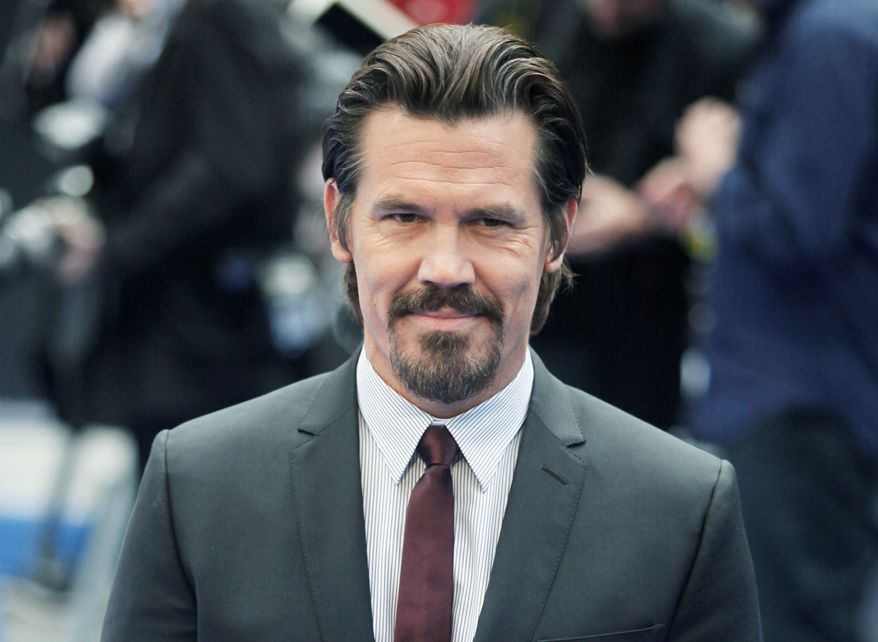 "** FILE ** In this May 16, 2012 file photo, actor Josh Brolin arrives at the premiere of his film, ""Men In Black 3"" in London. The film opens nationwide on May 25. (AP Photo/Jim Ross, file)"