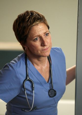 """In this image released by Showtime, Edie Falco portrays Jackie Peyton in a scene from """"Nurse Jackie."""" (AP Photo/Showtime, Ken Regan)"""
