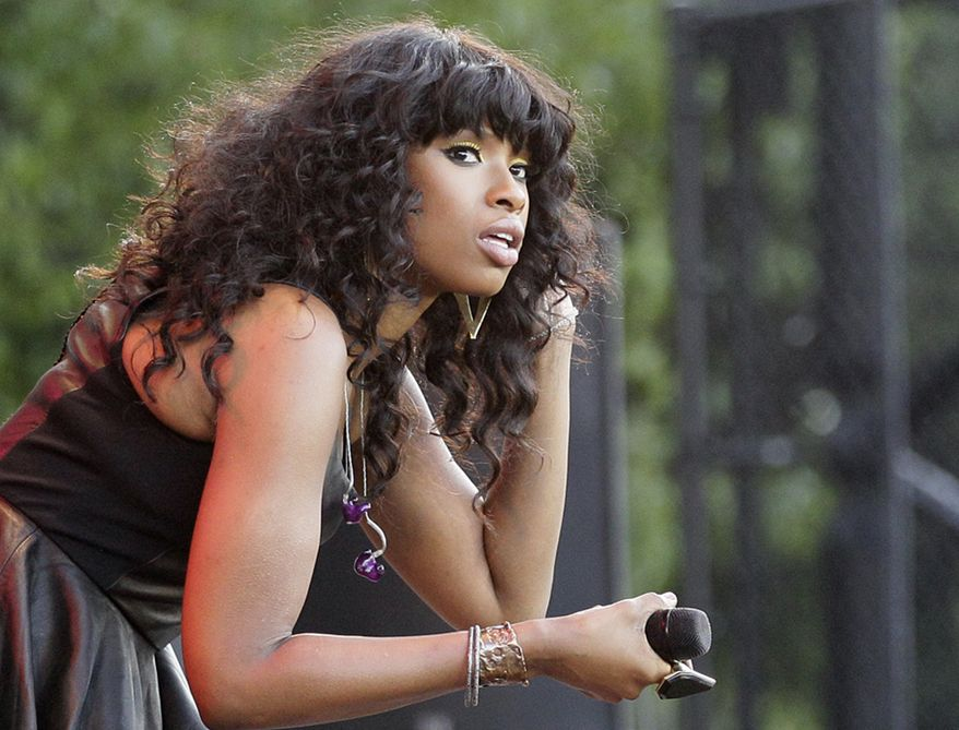 **FILE** Singer Jennifer Hudson is seen July 11, 2012, on stage during her performance at the Taste of Chicago. (Associated Press)