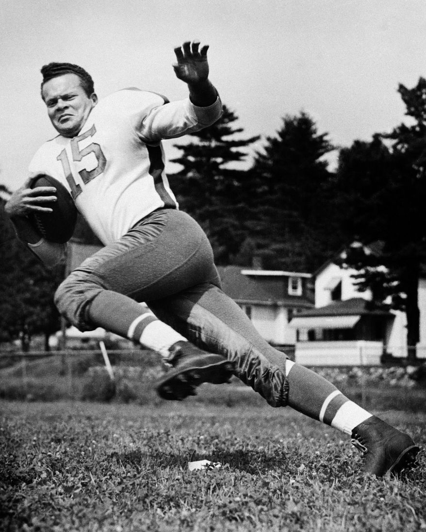 FILE - In this 1947 file photo, Steve Van Buren of the Philadelphia Eagles poses. Van Buren, the Hall of Fame running back who led the Philadelphia Eagles to NFL titles in 1948 and 1949, has died. He was 91. The Eagles said Thursday night, Aug. 23, 2012, that Van Buren died in Lancaster, Pa., of pneumonia. (AP Photo/File)  NO SALES