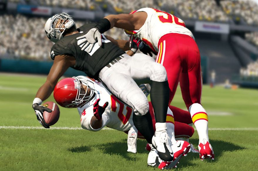 Raiders versus Chiefs in the video game Madden NFL 13.
