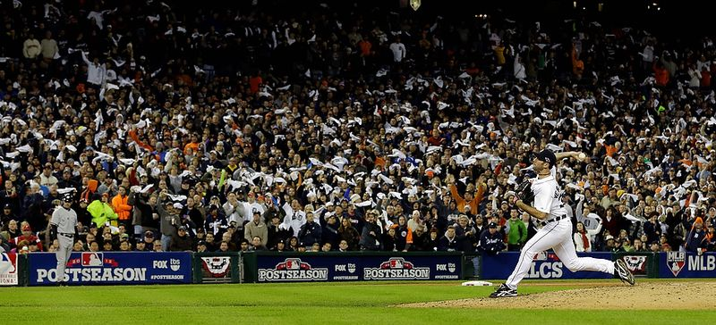 Detroit Tigers' Justin Verlander throws in the seventh inning during Game 3 of the American League championship series against the New York Yankees Tuesday, Oct. 16, 2012, in Detroit. (AP Photo/Paul Sancya )