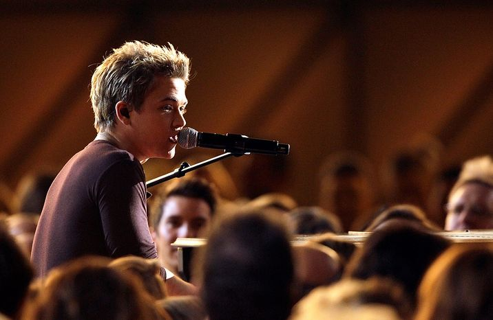 Hunter Hayes performs at the 46th Annual Country Music Awards at the Bridgestone Arena on Thursday, Nov. 1, 2012, in Nashville, Tenn. (Photo by Wade Payne/Invision/AP)