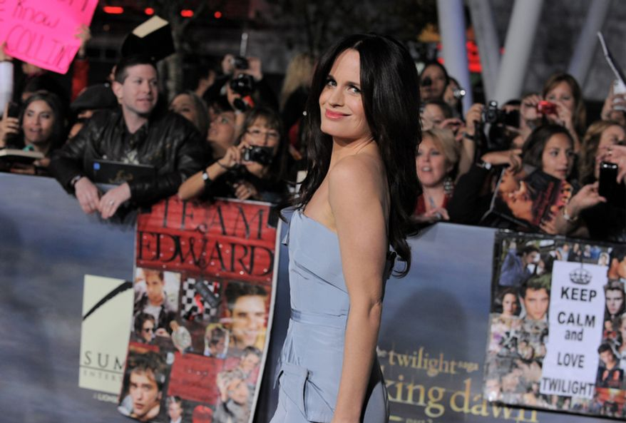 "Elizabeth Reaser attends the world premiere of ""The Twilight Saga: Breaking Dawn Part 2"" at the Nokia Theatre on Monday, Nov. 12, 2012, in Los Angeles. (Photo by Jordan Strauss/Invision/AP)"