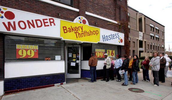 People wait in line to get into the Hostess Thrift Shop in Ogden, Utah, on Nov. 16, 2012. (Associated Press/Standard-Examiner)