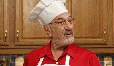 ** FILE ** In an Oct. 14, 2010, file photo, Art Ginsburg, also known as Mr. Food, is shown during rehearsal in Fort Lauderdale, Fla. Ginsburg, has died at his home in Weston, Fla., Wednesday Nov. 21, 2012. (AP Photo/Alan Diaz, file)