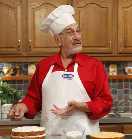 **FILE** Art Ginsburg, also known as Mr. Food, is shown Oct. 14, 2010, during rehearsal in Fort Lauderdale, Fla. (Associated Press)