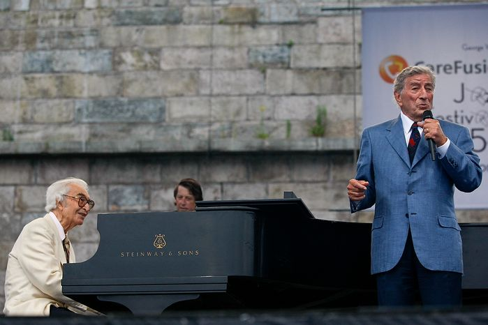 ** File ** Tony Bennett performs with Dave Brubeck at George Wein's Carefusion Newport Jazz 55 in Newport, R.I. on Sunday, Aug. 9, 2009. (Associated Press)
