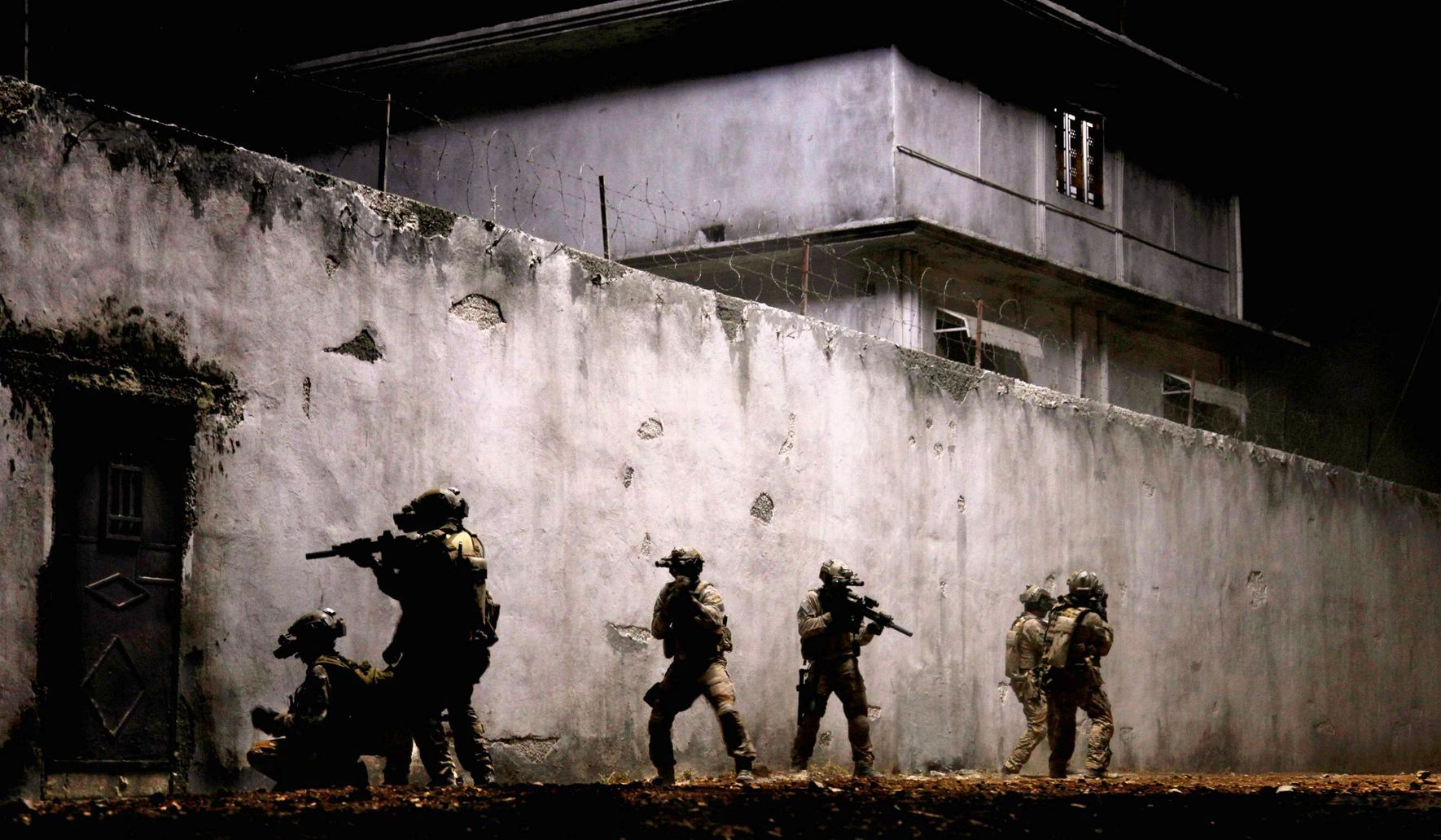 Navy SEALs cite shabby treatment as Obama administration helps