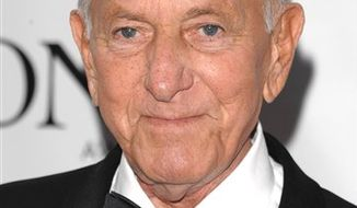 **FILE** Jack Klugman arrives June 15, 2008, at the 62nd annual Tony Awards in New York. (Associated Press)