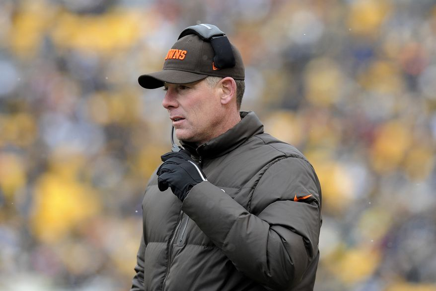Cleveland Browns head coach Pat Shurmur on the sideline during the second quarter of the Browns' 24-10 loss to the Pittsburgh Steelers on Dec. 30, 2012, in Pittsburgh. (Associated Press)
