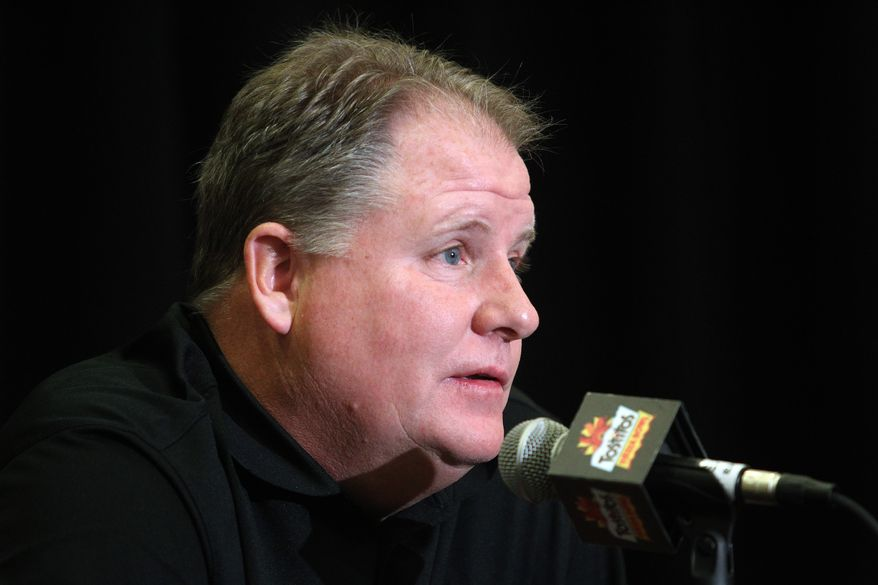 Oregon's Chip Kelly during media day for the Fiesta Bowl Monday, Dec. 31, 2012, in Scottsdale, Ariz.  Oregon will play Kansas State in the Fiesta Bowl Jan. 3. (AP Photo/Paul Connors)