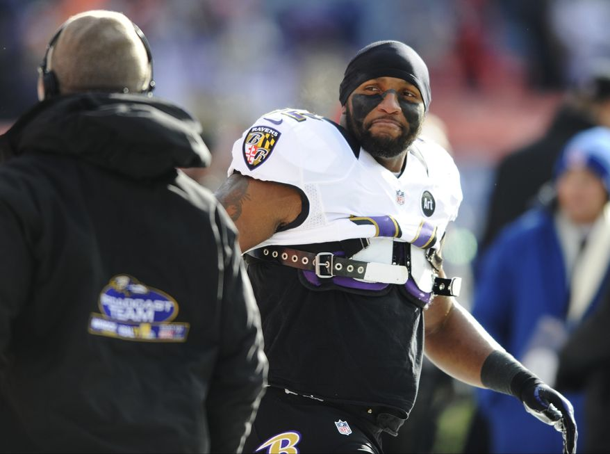 Baltimore Ravens inside linebacker Ray Lewis prepares to play the Denver Broncos in an AFC divisional playoff NFL football game, Saturday, Jan. 12, 2013, in Denver. (AP Photo/Jack Dempsey)