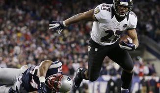 Baltimore Ravens running back Ray Rice (27) goes in for a two-yard touchdown run against New England Patriots outside linebacker Dont'a Hightower (54) during the first half of the NFL football AFC Championship football game in Foxborough, Mass., Sunday, Jan. 20, 2013. (AP Photo/Matt Slocum)