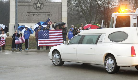 Chris Kyle's funeral draws thousands of mourners along 200