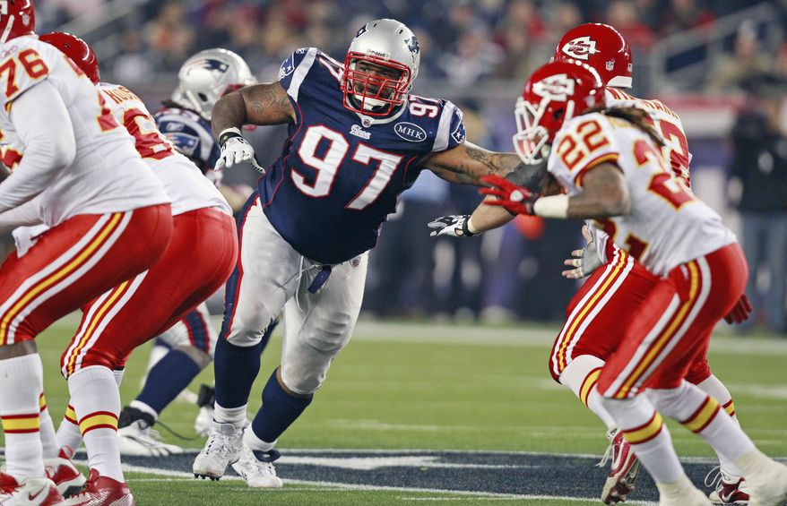 **FILE** New England Patriots defensive end Ron Brace (97) looks for the ball against the Kansas City Chiefs during the fourth quarter of an NFL football game in Foxborough, Mass., Monday Nov. 21, 2011. (AP Photo/Elise Amendola)