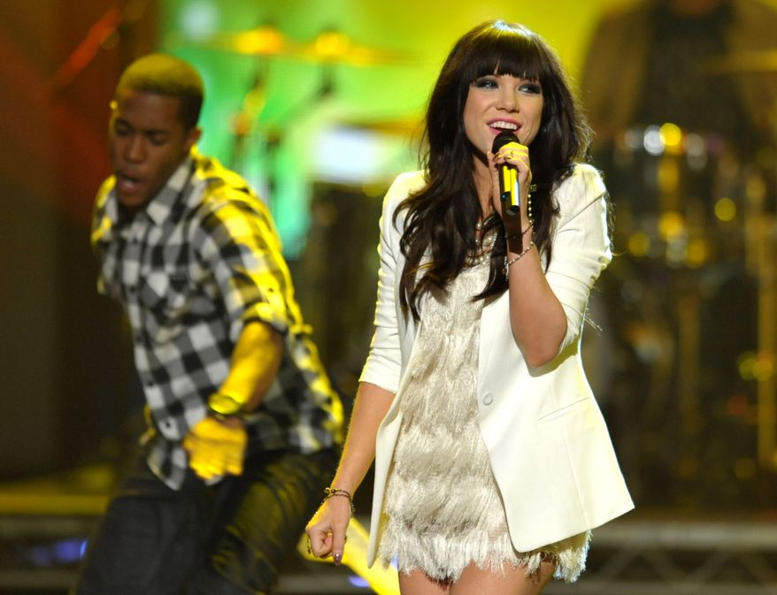 Carly Rae Jepsen performs at the 40th annual American Music Awards in Los Angeles on Nov. 18, 2012. (John Shearer/Invision/AP)