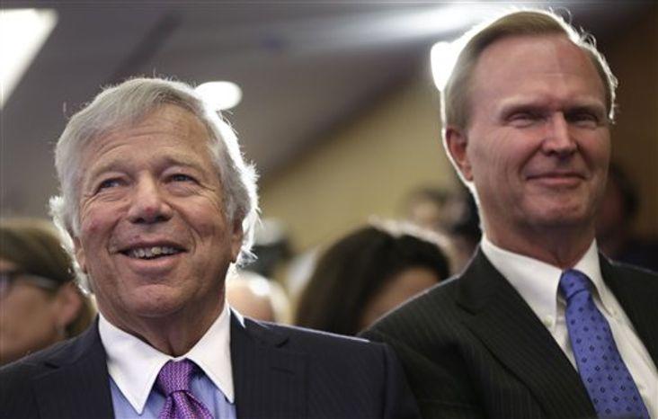New York Giants owner John Mara (right) and New England Patriots owner Robert Kraft. Associated Press