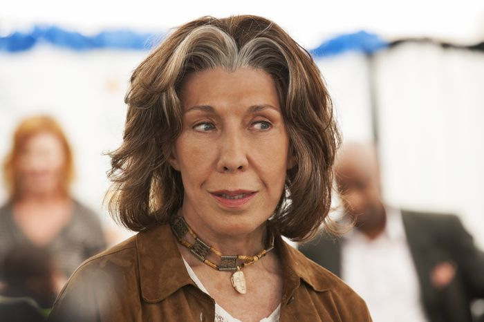 "Lily Tomlin portrays Susannah, a young-at-heart seventy-something feminist mother, in the comedy-drama movie ""Admission."" (AP Photo/Focus Features, David Lee)"