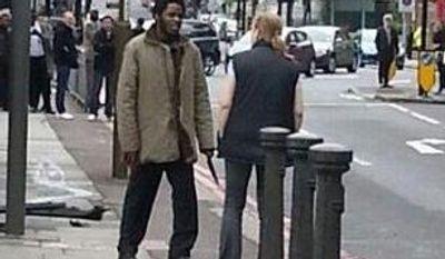 Ingrid Loyau-Kennett confronts one of the London machete attackers. (Source: Twitter/@dannymckiernan)