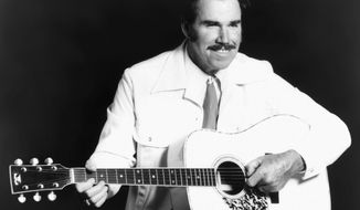 ** FILE ** This undated file photo shows country singer Slim Whitman. Whitman died Wednesday, June 19, 2013, of heart failure in Florida. He was 90. (AP Photo, file)